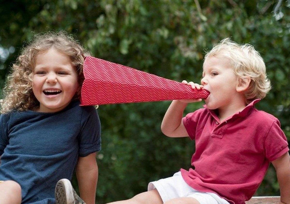 کودکان-برقراری-ارتباط-را-چگونه-فرا-می-گیرند