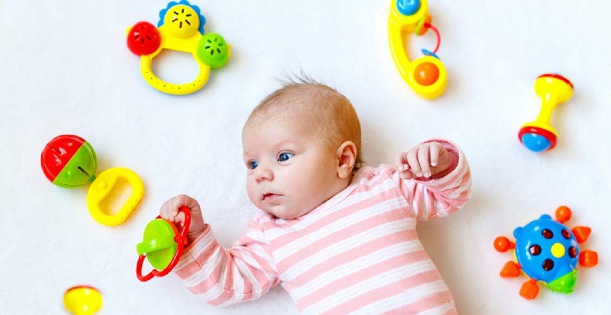 آشنایی-با-انواع-بازی-با-نوزاد-سه-ماهه-و-کوچکتر