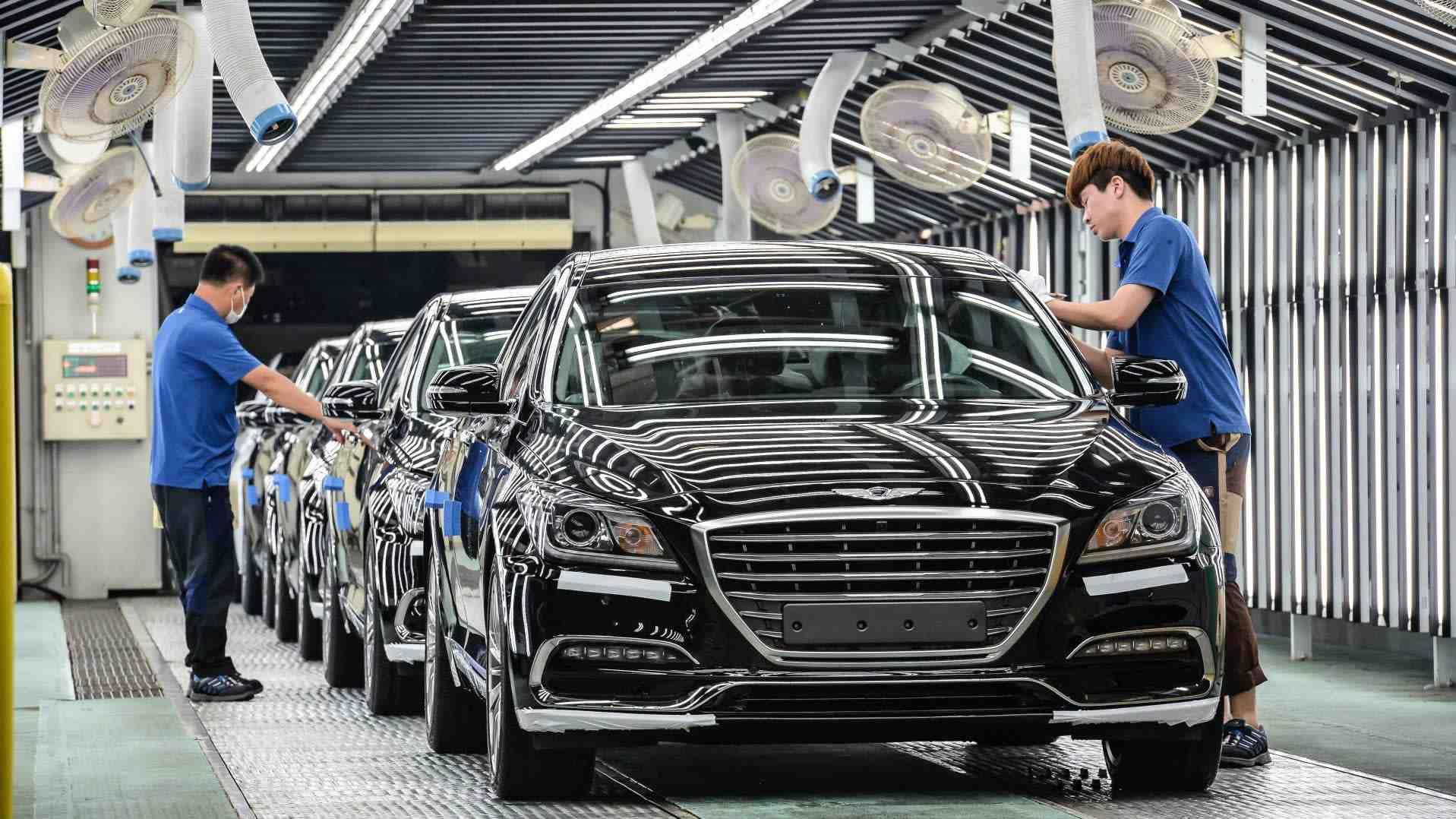 بررسی تجربه دو کشور ایران و کرهجنوبی در زمینه خودروسازی
