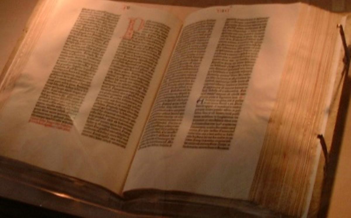 ترجمهی کتاب مقدس به زبان انگلیسی