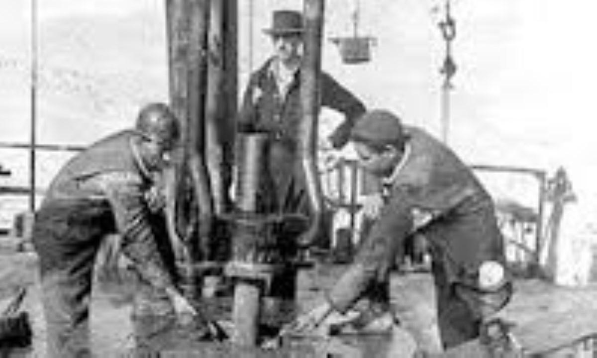 انگلستان و غارت منابع نفتی ایران