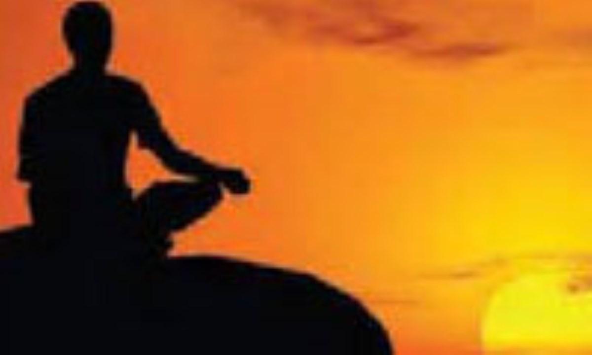 دو وضع متناقض: «مذهب گرایی» و «فرقه گرایی»