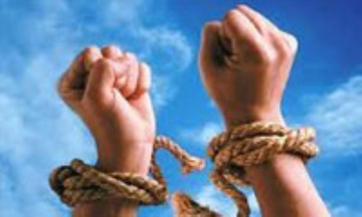 گسترش آزادي در نظام اسلامي و مقايسه ي آن با آزادي ليبراليستي