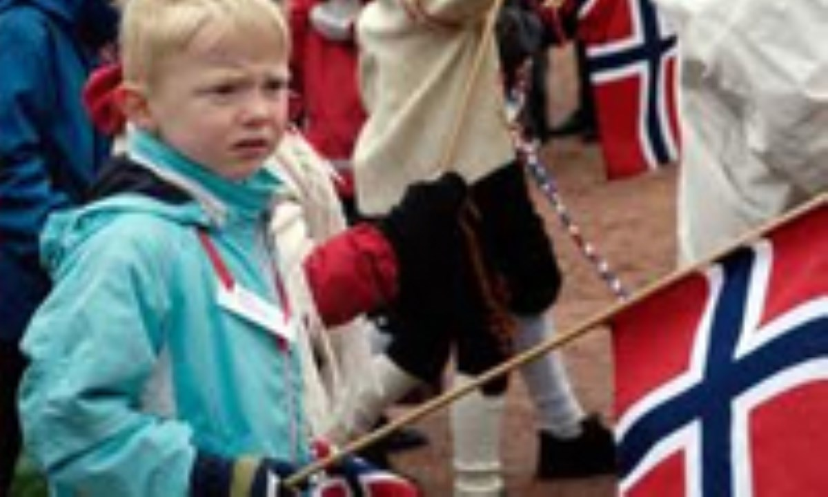 لارس، کودک نروژي
