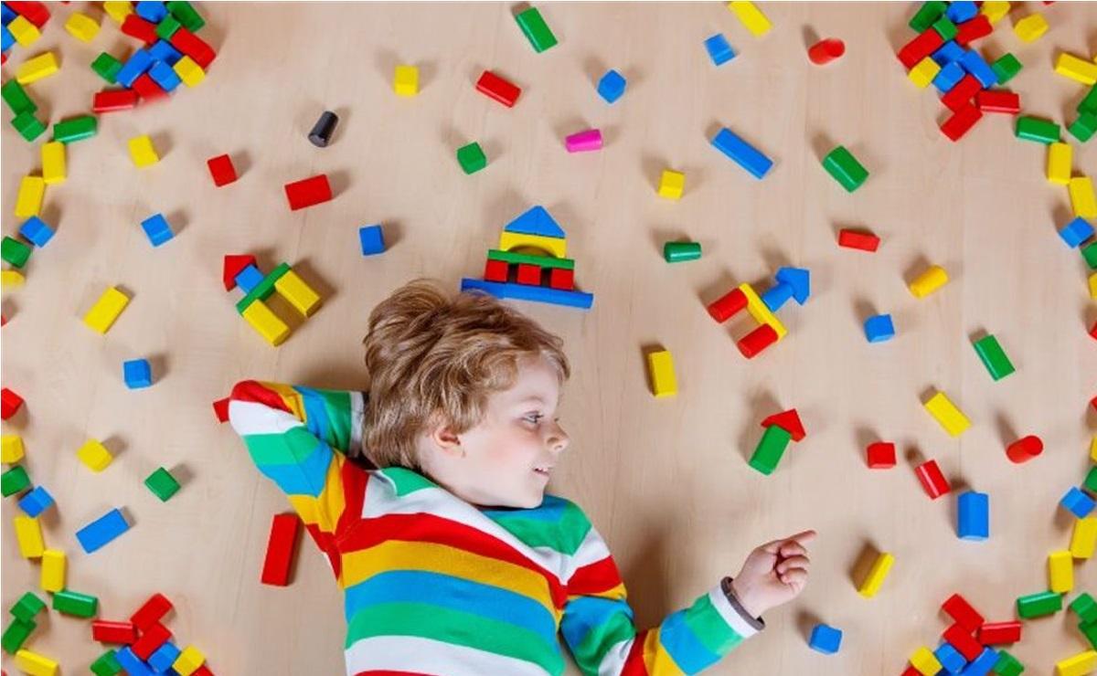 بررسی اختلال اوتیسم و علل آن