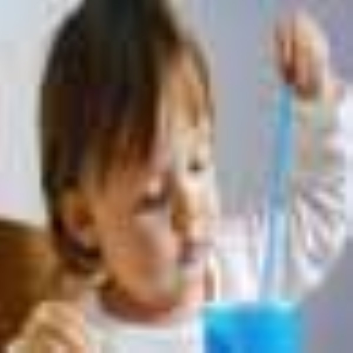 کودکانی که سخت غذا می خورند
