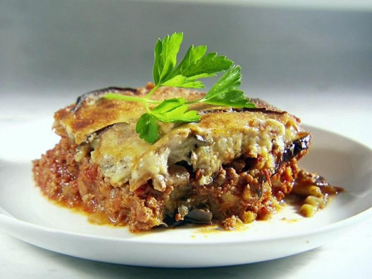 طرز تهیه غذای ملل موساکای یونانی