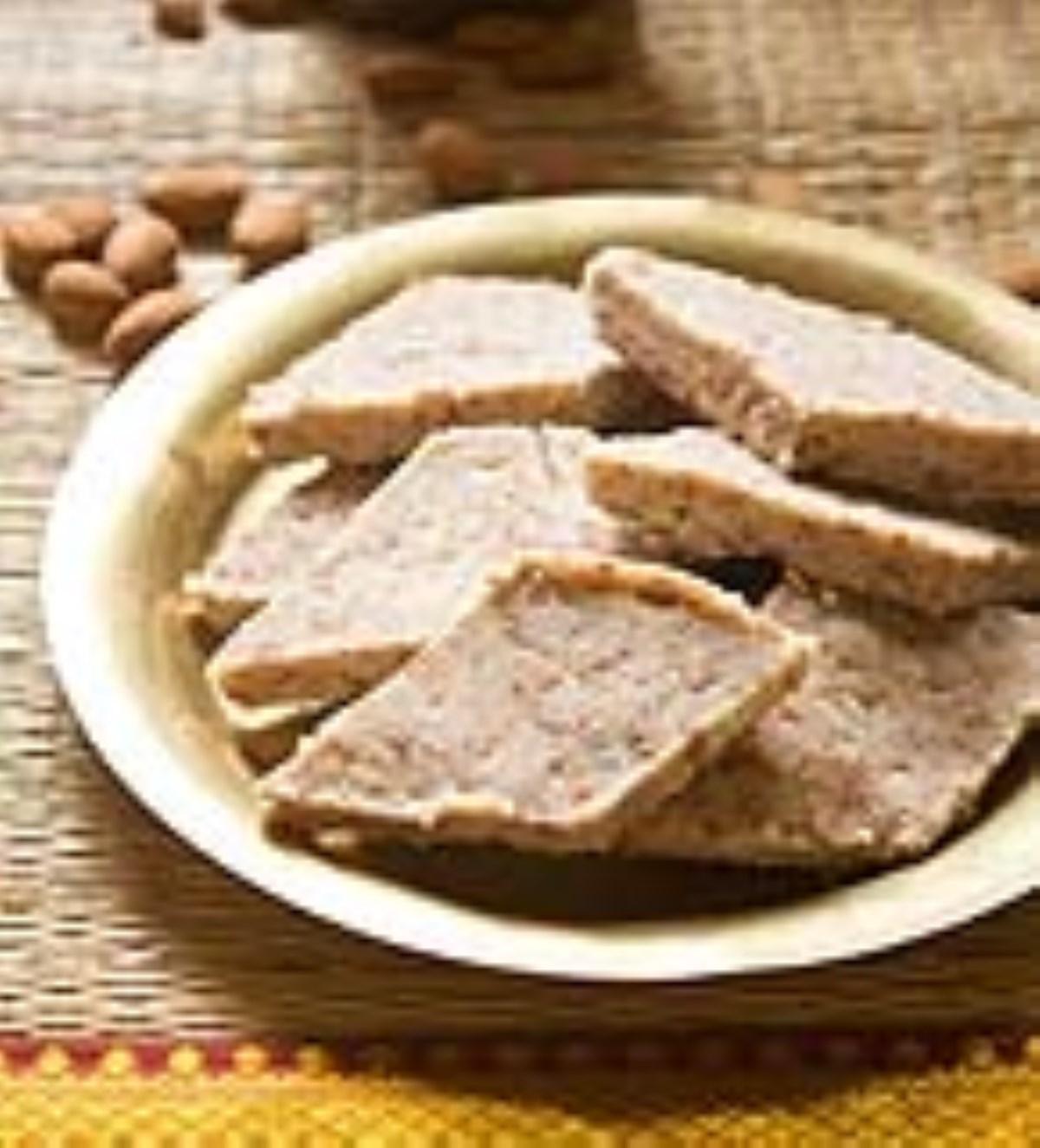 طرز تهیه غذای ملل حلوای بادام (هندی)