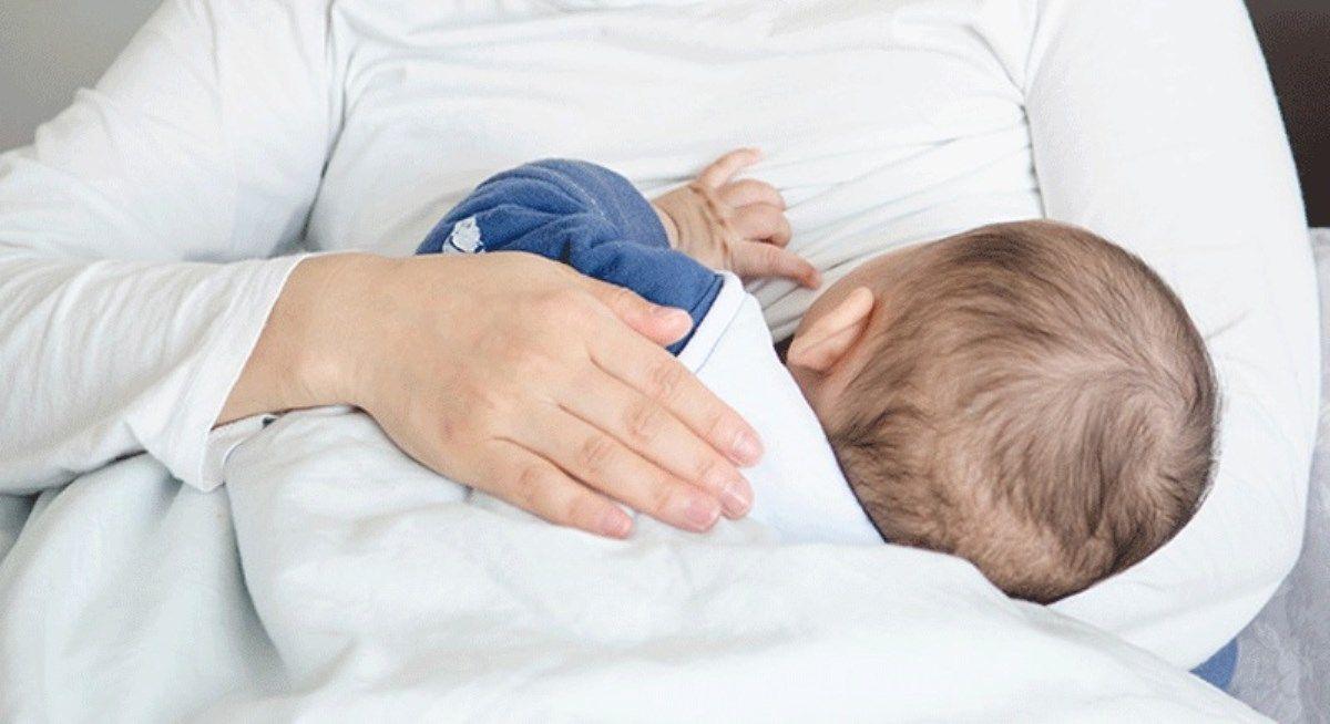 دفعات شیردهی به نوزاد در سنین مختلف چقدر است؟