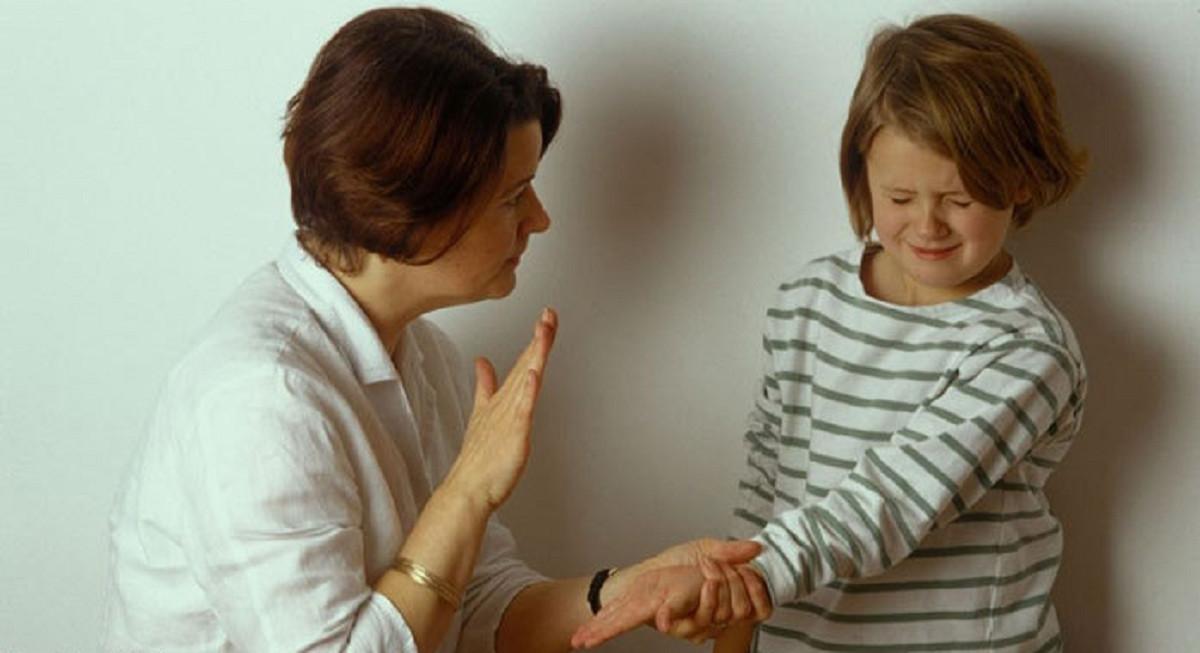 هرگز کودکان بیش فعال را تنبیه بدنی نکنید
