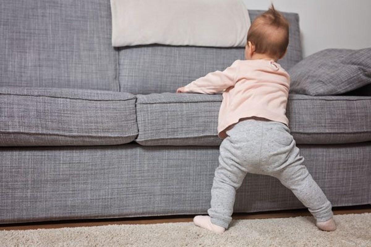 رشد حرکتی و جسمی کودک نه ماهه چگونه است؟