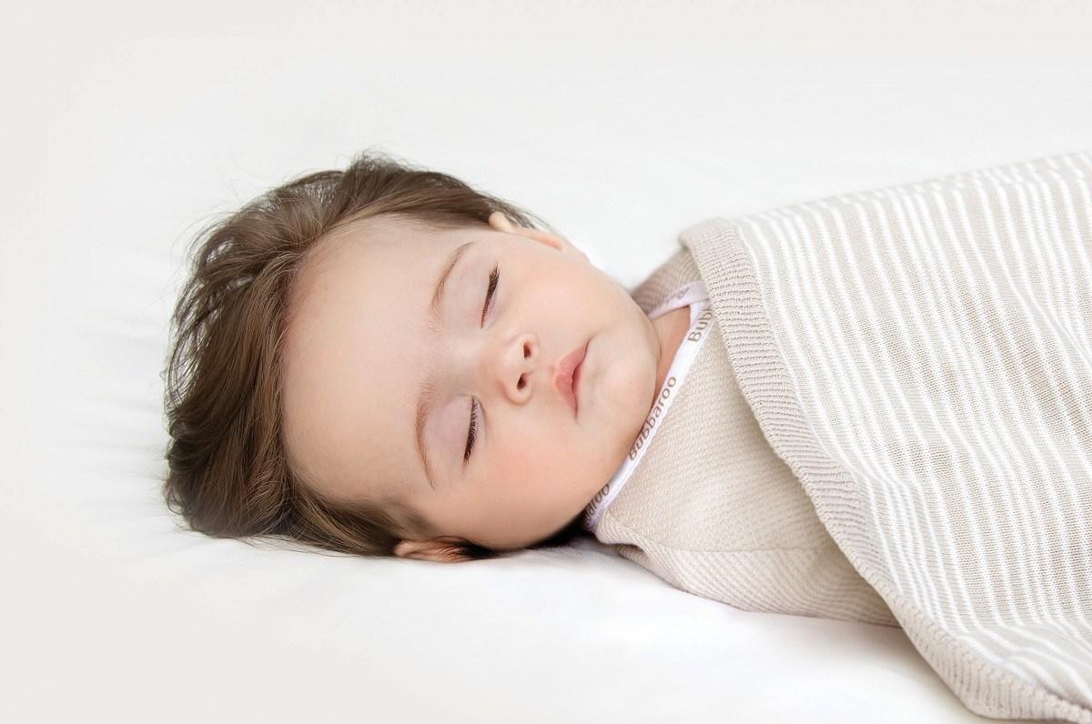 چه خطراتی متوجه کودکی است که بیش از حد گرم یا سردش شده باشد؟