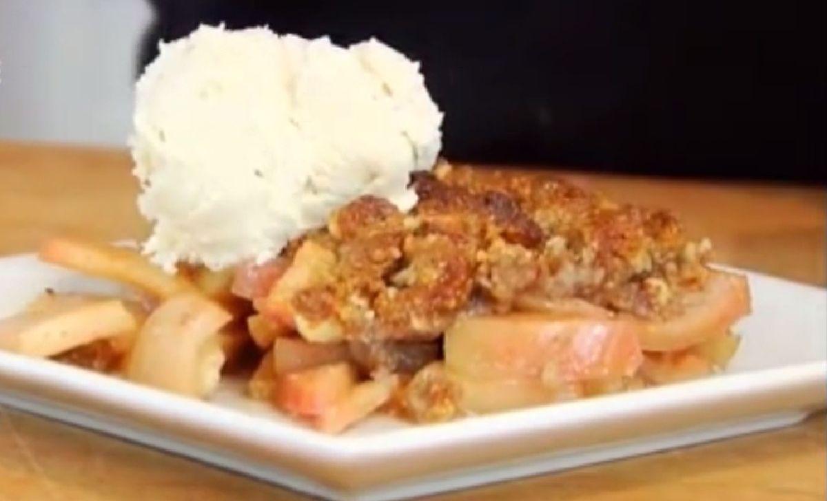 دستور تهیه دسر سیب بدون غلات و بدون شکر مصنوعی