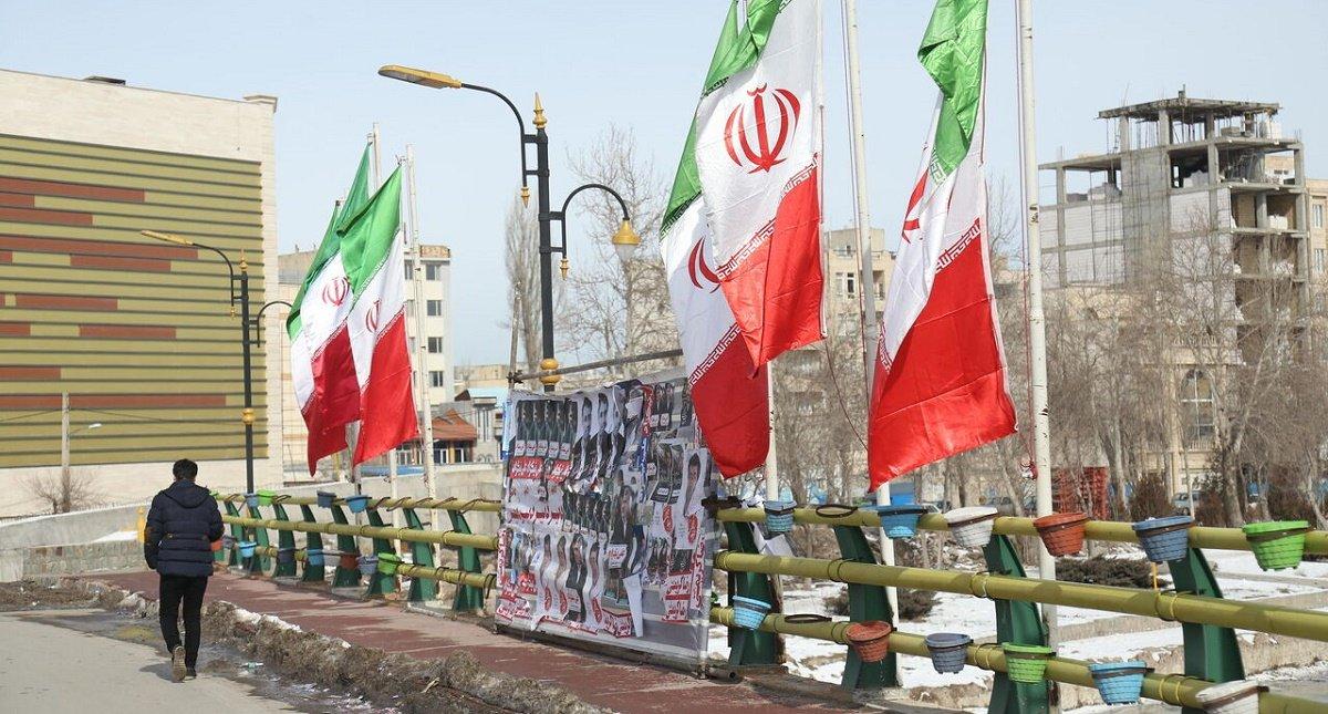 اهانت های دشمنان و اتهام ایران در نیمه راه دموکراسی
