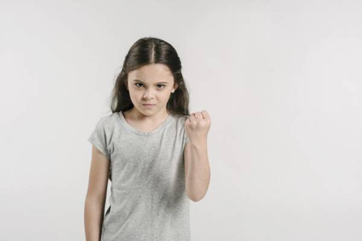 علل عصبانی بودن کودک و راه های کنترل آن