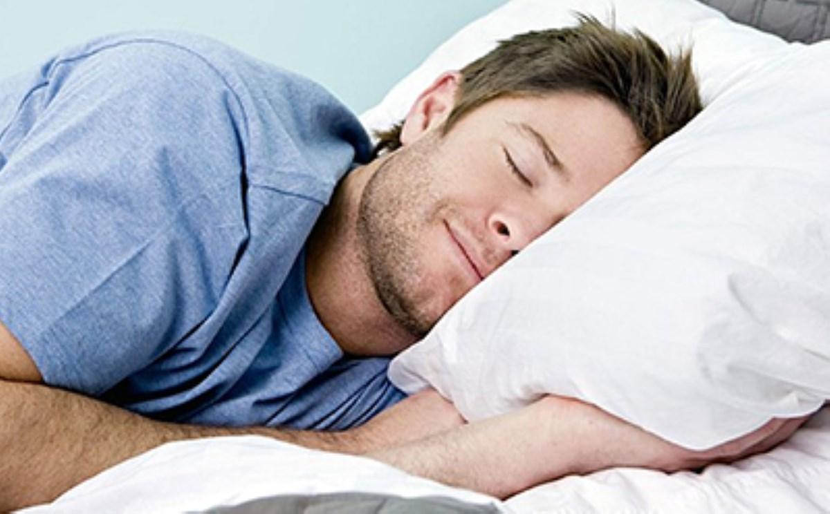 مواد غذایی که باعث خواب راحتتر میشوند