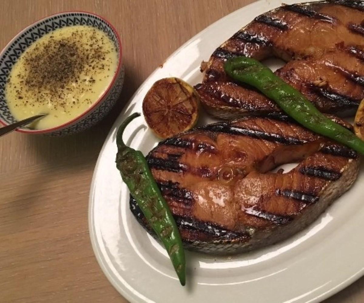 طرز تهیه ماهی سالمون گریل شده عسل و زنجبیل(غذای رژیمی)