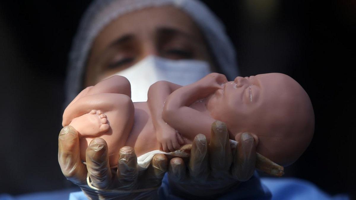 عوارض و خطرات سقط جنین برای مادر