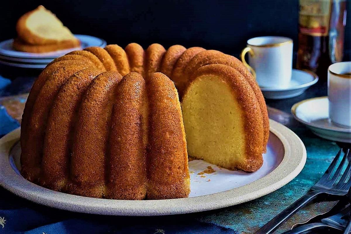 طرز تهیه کیک ماست با چند روش