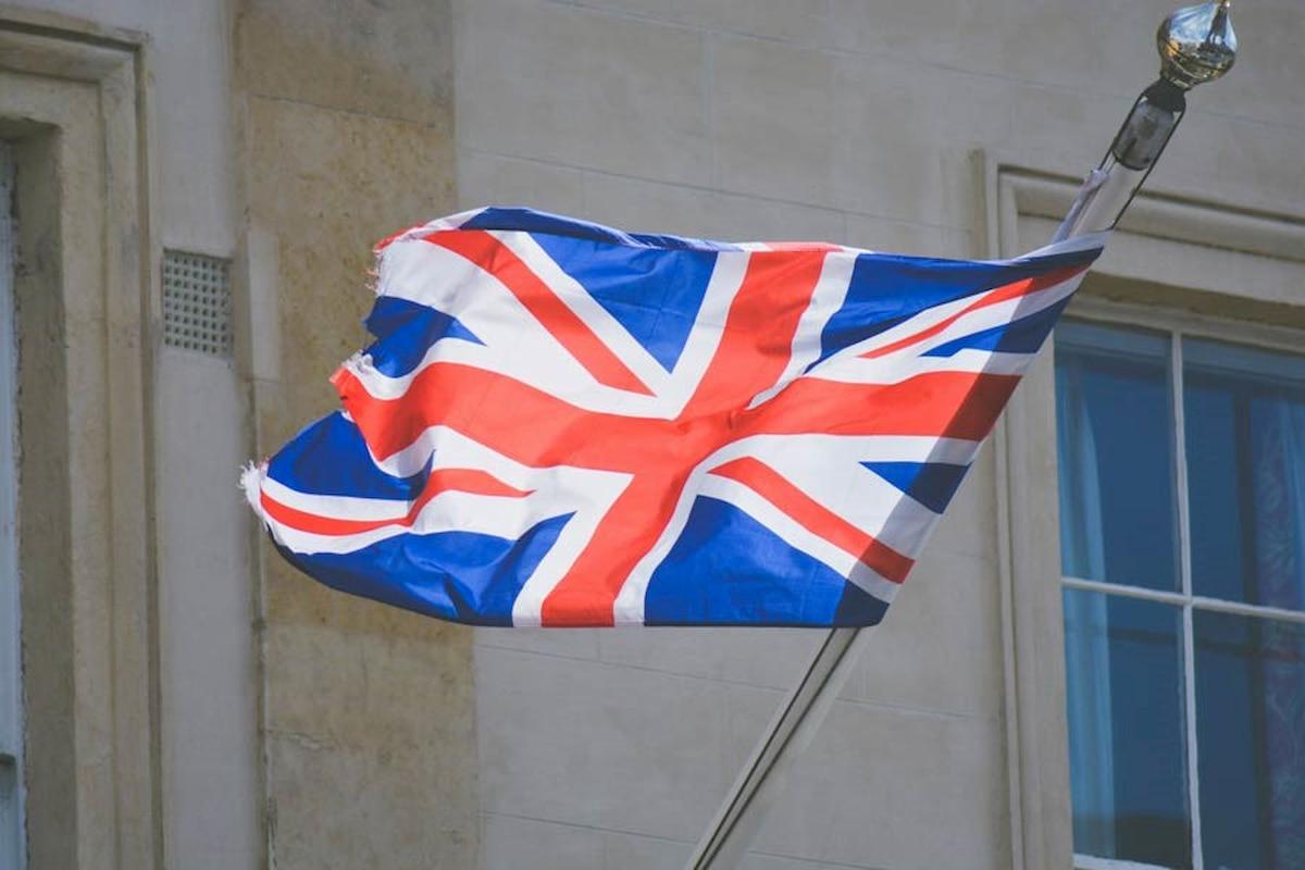 آنچه که باید راجع به پرچم انگلستان بدانید