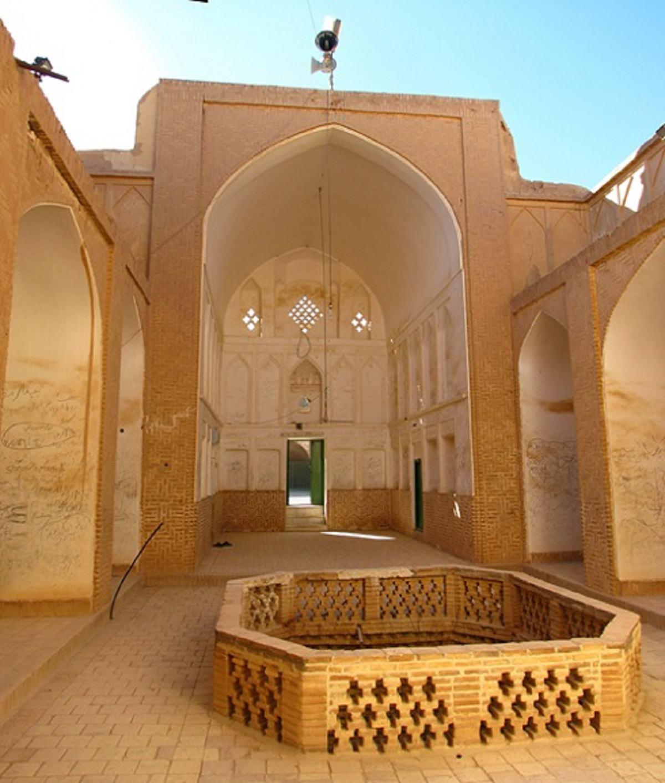 قلعه خویدک از جاذبه های گردشگری استان یزد