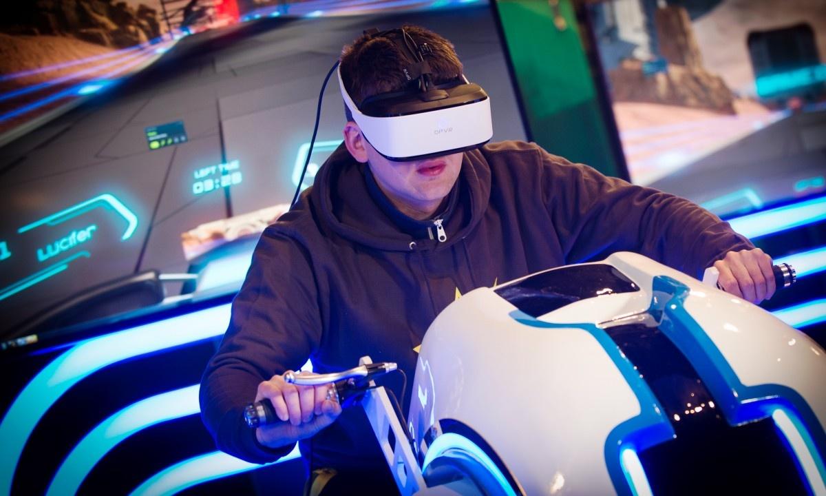کاربرد واقعیت مجازی در صنعت سرگرمی