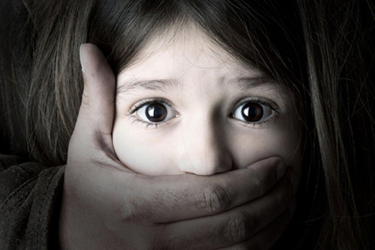 معضل کودک ازاری و راه های پیشگیری از ان
