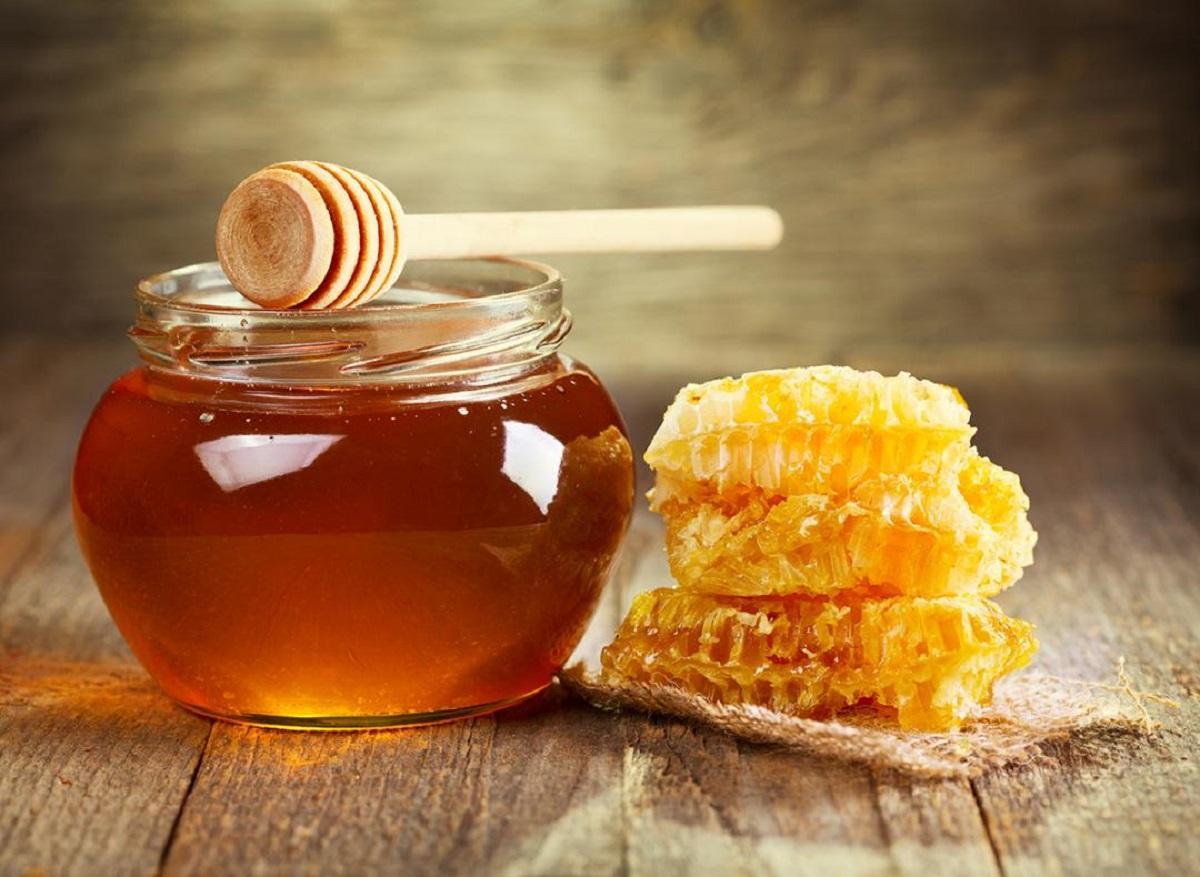 نحوه تشخیص عسل طبیعی از تقلبی