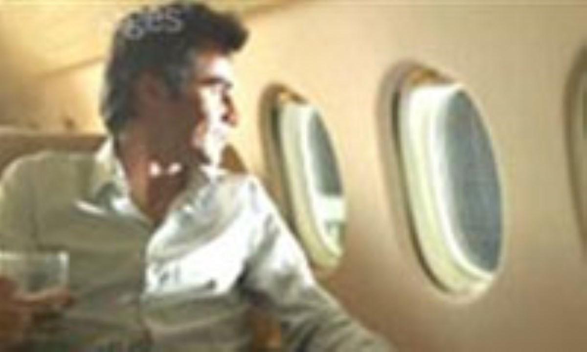هنگام گرفتگی گوش در هواپیما، آدامس بجوید
