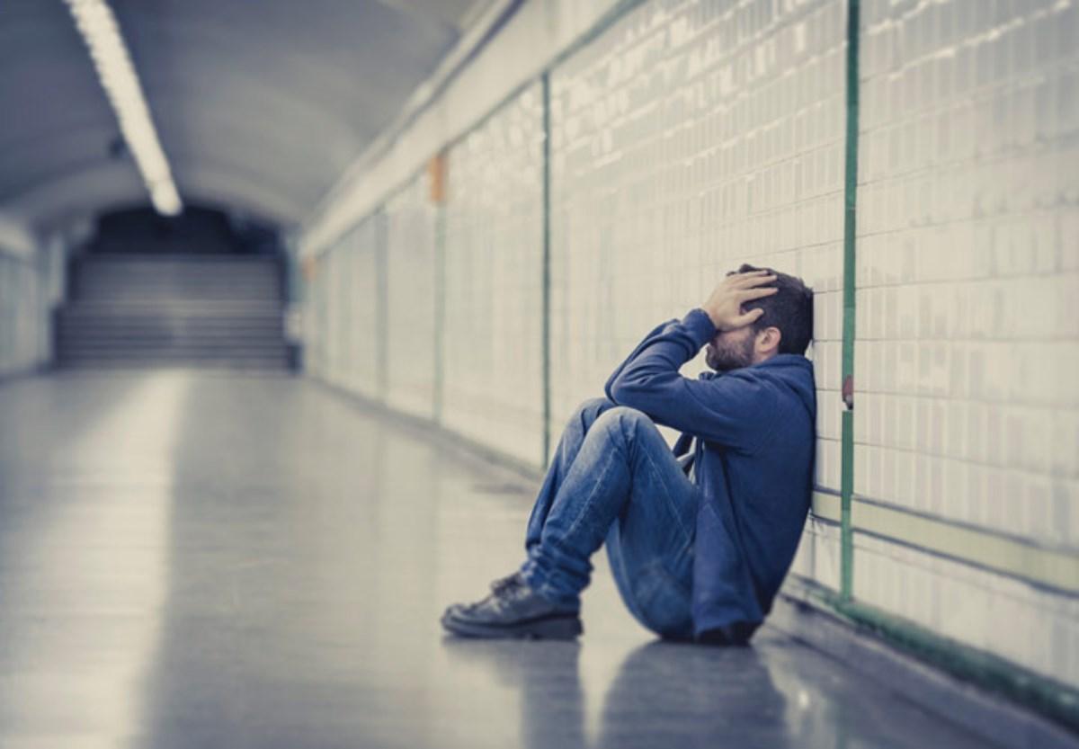 افسردگی؛ علائم، علل و درمان