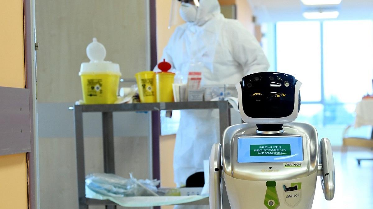 کمک به پزشکان ایتالیایی در مراقبت از بیماران مبتلا به کرونا توسط رباتها 