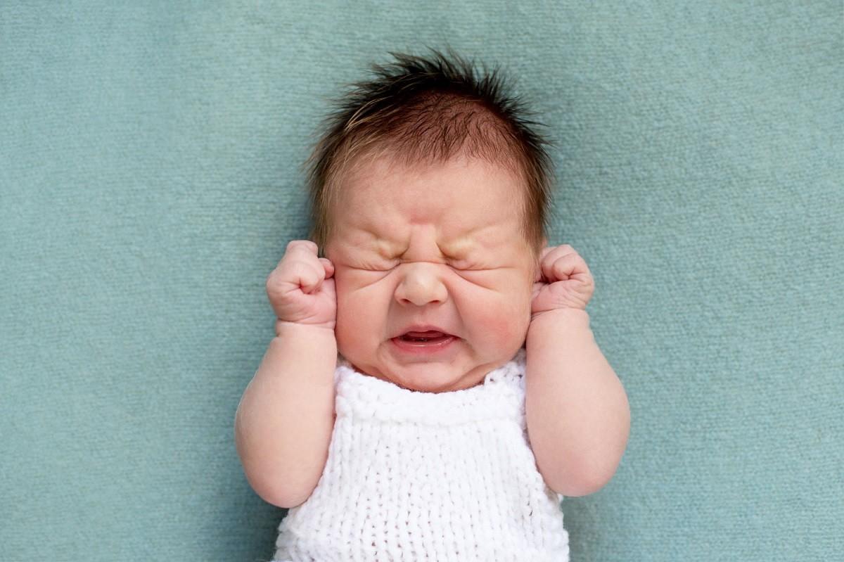 علل و نحوه درمان یبوست در نوزاد