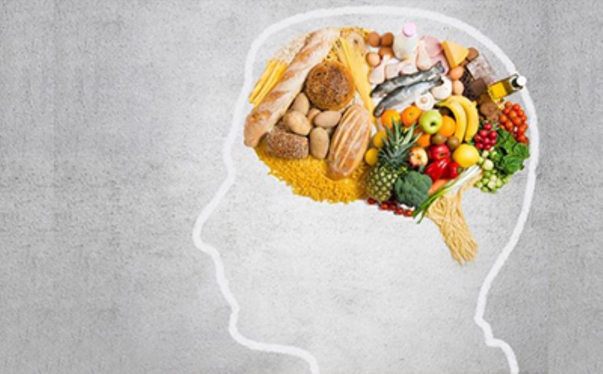 تأثیر خوردنیها بر میگرن