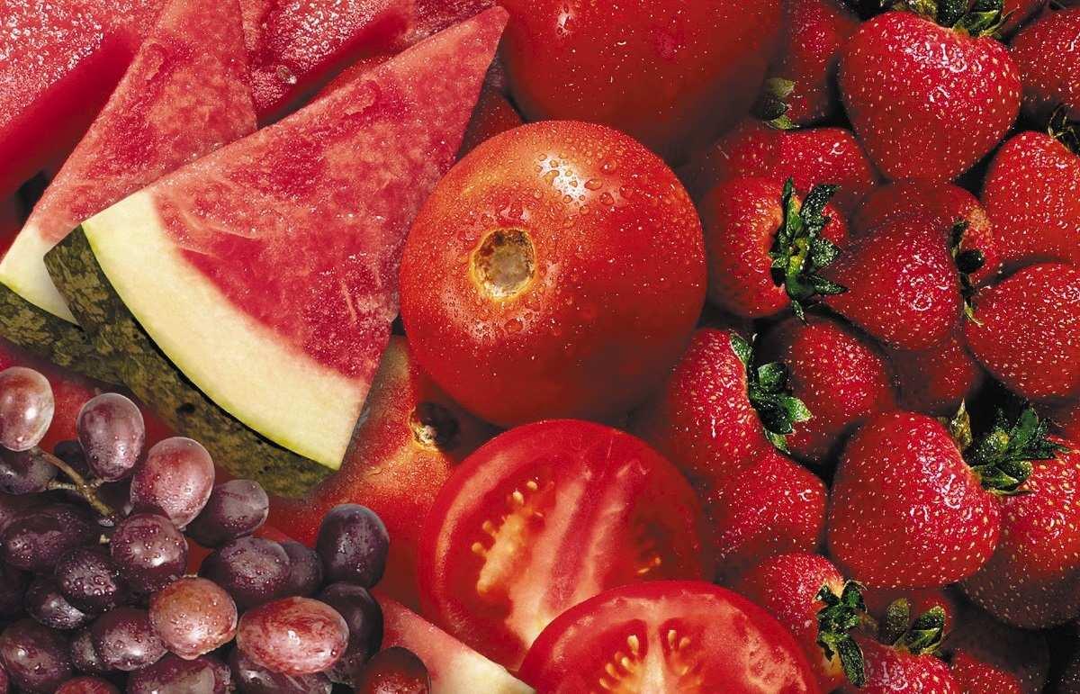 معرفی میوه های قرمز رنگ و خواص فراوان آن ها