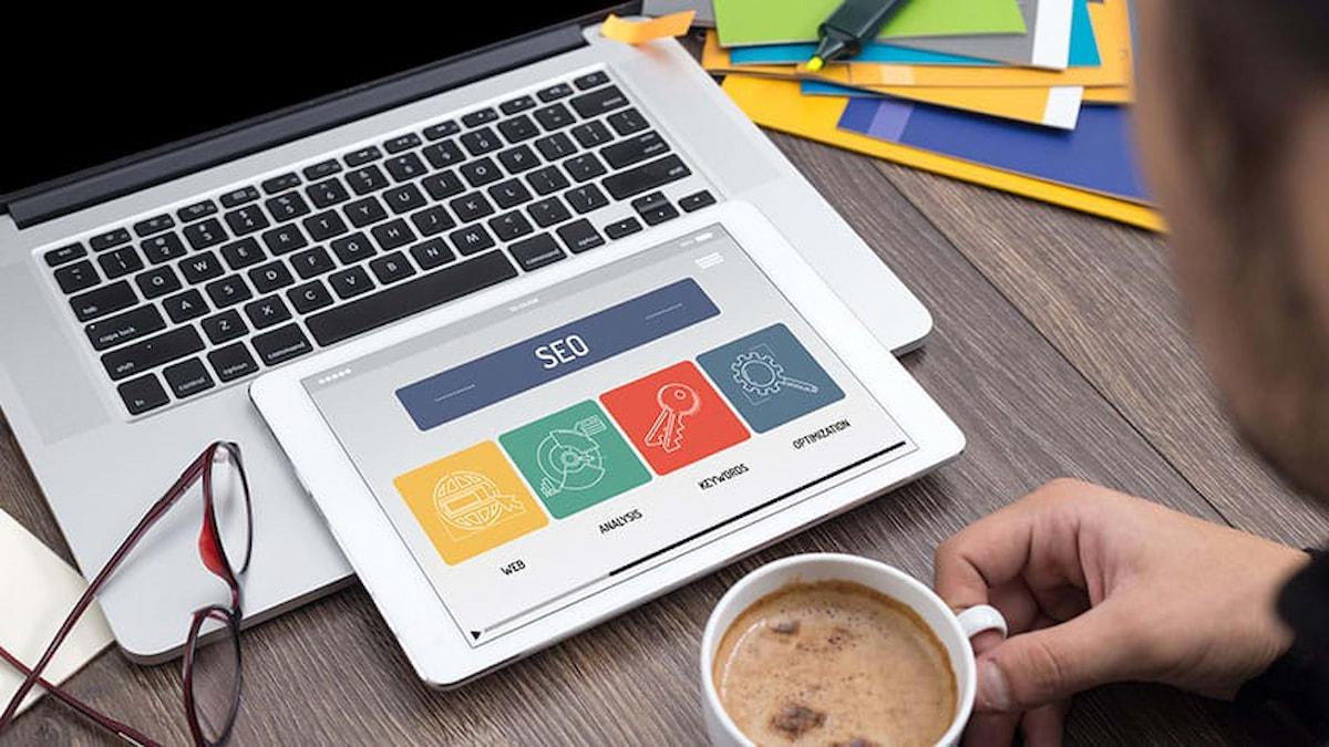 سئو یا بهینه سازی سایت چه کمکی به بیزینس شما می کند؟