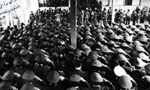 اعلام همبستگي همافران با انقلاب اسلامي در حضور حضرت امام خميني(ره) (1357 ش)
