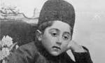 محمد حسین میرزا برادر سلطان احمدشاه به ولیعهدی انتخاب گردید. ولیعهد جدید نه سال دارد(1288ش)