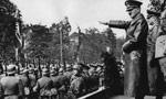 لهستان سقوط و خاك آن كشور به تصرف سربازان آلمانی و شوروی درآمد. (1318 ش)