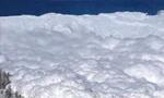 ده کوهنور در شمال تهران به زیر بهمن رفتند. (1349ش)