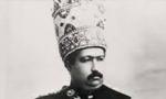 محمدعلی شاه پستخانه و تلگراف خانه را متصرف شد و امور آنجا را در مقابل دریافت مبلغ قابل ملاحظه ای به حسینقلی خان مخبرالدوله واگذار کرد.(1287ش)