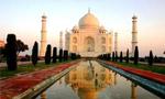 موافقتنامه توسعه همکاریهای اقتصادی ایران و هند توسط نخست وزیران دو کشور در تهران امضا و مبادله شد(1353ش)