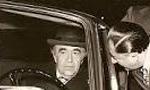 امیرعباس هویدا نخست وزیر لایحه تازه نفت را بر اساس امضای قرارداد 1954 و بدست گرفتن اختیار کامل صنعت نفت توسط ایران تقدیم مجلس کرد. (1352ش)