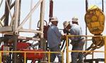 دستمزد کارگران صنعت نفت ده درصد افزایش یافت(1352ش)