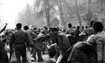 از بامداد شهر تهران، تبدیل به میدان جنگ شد و حمله افراد مسلح به کلانتری ها و مراکز انتظامی آغاز گردید(1357ش)
