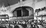 مجلس شوراي ملي در يك جلسه خصوصي براي انتخاب نخست وزيري رأي گيري كردند.(1324 ش)