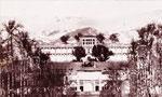ساختمان جديد مجلس قصر قاجار كه از چندي پيش ساختمان آن آغاز شده بود امروز در حضور شاه و امناي دولت افتتاح گرديد(1308ش)
