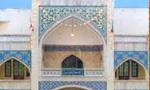 در پی انتشار مقاله توهین آمیز روزنامه اطلاعات، حوزه علمیه مشهد تعطیل و تظاهرات گسترده ای از سوی روحانیون و طلاب در این شهر برپا گردید.(1356ش)