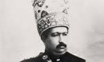 پس از مذاکرات مفصل بین محمدعلی شاه پادشاه مخلوع و هیئت مدیره کمیسیون عالی پیمانی منعقد گردید.(1288ش)