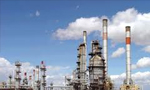 ساختمان پالایشگاه نفت در تبریز با ظرفیت 80 هزار بشکه در روز، آغاز شد(1354ش)