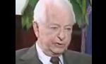 سناتور رابرت برد رهبر دموکراتها در سنای آمریکا به فروش آواکس به ایران مخالفت کرد(1356ش)